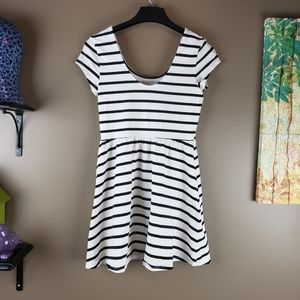 *final price*CHARLOTTE RUSSE DRESS  STRIPED LARGE